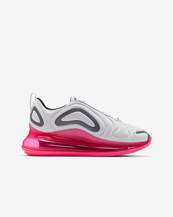 Swarovski Mädchen Womens Air Max 720 weiß rosa Sneakers angepasst mit klaren Swarovski Kristallen Custom Bling Nike Schuhe