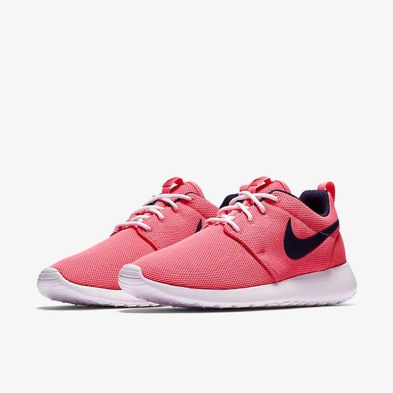 Nike Roshe Run Schwarz Weiß Damen Sneakers Store Austria