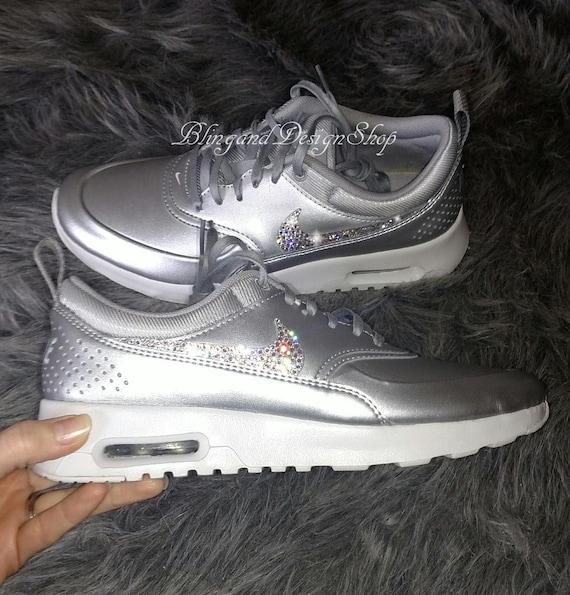 Swarovski Damen Nike Air Max Thea SE Schuhe Silber Sneakers angepasst mit klaren Swarovski Kristalle Benutzerdefinierte Bling Nike Schuhe