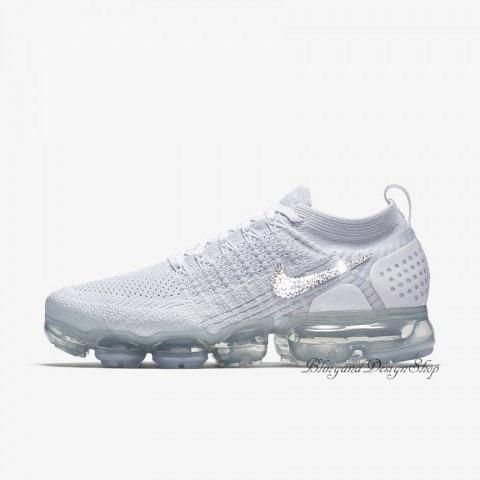 ... Lunarepic Low Flyknit 2 Bling  fashion 02e33 4d64d Swarovski Bling Nike  Vapormax Flyknit 2 Womens Nike Shoes Customized with Swarovski Crystal ... c2edcb330ef7