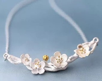 Gorgeous handmade, 925 sterling Silver branch and flower necklace
