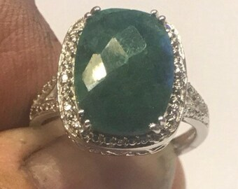 Genuine emerald and sterling silver ring size 8