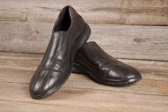 Vintage Ladies ECCO Shoes, ECCO Black Slip On Loafers SZ 37