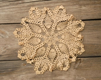 "Vintage Crochet Pineapple Star Doily, Antique White doily, 15"" doily, crochet lace"