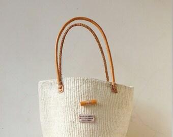 White sisal bag with leather handles/ Handmade woven bag/ Kiondo bag/ African ethnic bag/ Market bag/ African Shopping bag / Tote bag