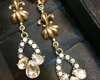 Alexandria, earrings, vintage style, rhinestone, fleur de Lis, brass