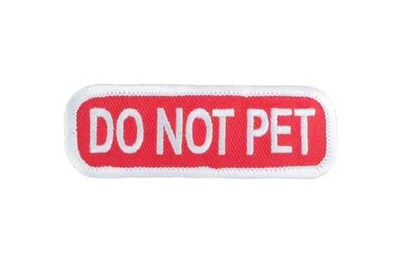 Pas animal de compagnie (rouge/blanc) - SD-008 Service chien patch écusson brodé - 3 pouces X 1 pouce
