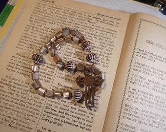 Shell Beads Devotional Aid, Rosary Prayer Beads, Beaded Rosary, Prayer Focus, Christian Gift, First Communion Gift, Baptism Gift, Protestant