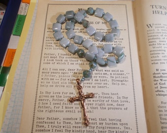 Green Squares Devotional Aid, Rosary Prayer Beads, Beaded Rosary, Prayer Focus, Christian Gift, First Communion Gift, Baptism Gift