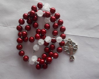 Red and White Catholic Rosary, Devotional Aid, Prayer Beads, Beaded Rosary, Prayer Focus, Christian Gift, First Communion Gift, Baptism Gift