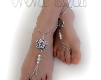 e55769e4016 Chain Bead Barefoot Sandals. Silver Foot Jewelry. Flower Charm and White  Pearl Beads. Boho Anklets. Beach Wedding. Festival. Set of 2