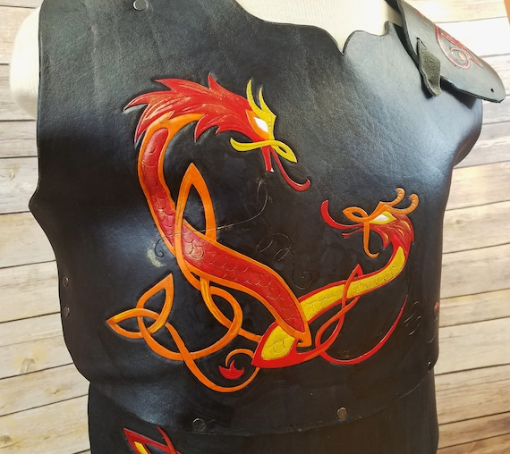 Leather Dragon Armor Red And Black Imperial Dragons Tooled Etsy Red dragonhide armour is a type of ranged armour. etsy