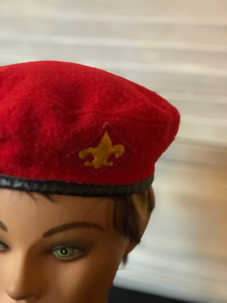 c262dd8122df8 Official headwear BoyScouts of America red beret size M
