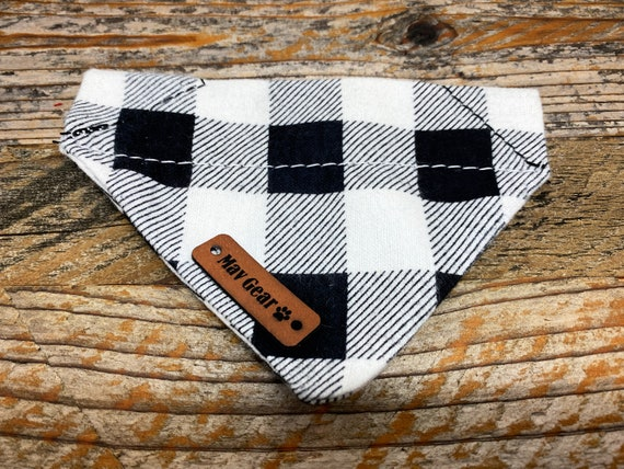Dog Bandana, flannel dog bandana, Black white checkered dog bandana, puppy bandana, Christmas bandana, Holiday Puppy bandana, Mav Gear