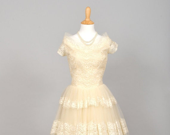1950 Tulle and Lace Vintage Wedding Dress