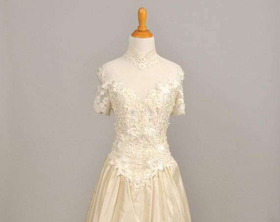1980 Sweet Corsage Vintage Wedding Gown