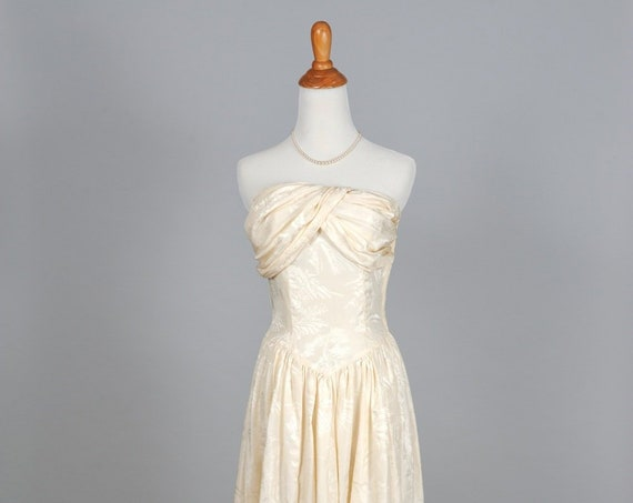 1960 Embossed silk Satin Vintage Wedding Gown