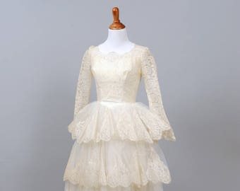 1950s Tiered Scalloped Vintage Wedding Dress