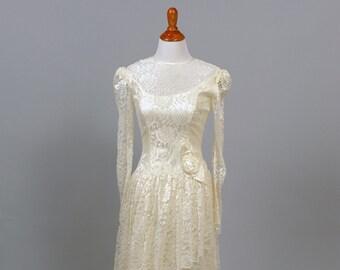 1970 Asymmetrical Lace Vintage Wedding Gown