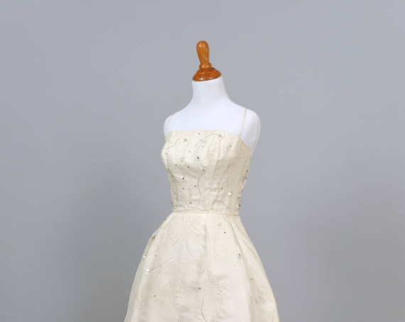 1950 Spaghetti Strap Beaded Vintage Wedding Dress