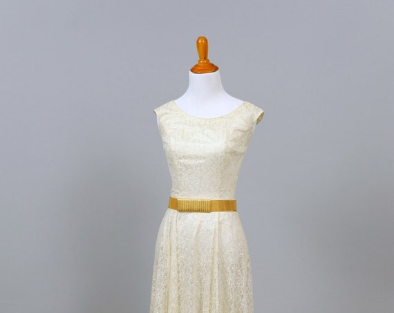 1950's Lace Scooped Neck Vintage Wedding Gown