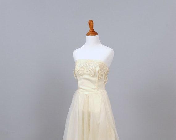 1960 Appliqued Strapless Vintage Wedding Dress