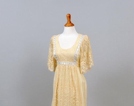 1970 Lace And Ribbon Peasant Vintage Wedding Gown