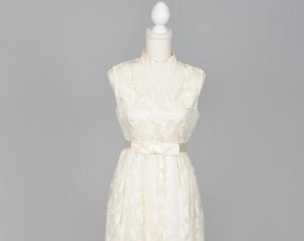 1960 Ecru Lace Vintage Wedding Gown
