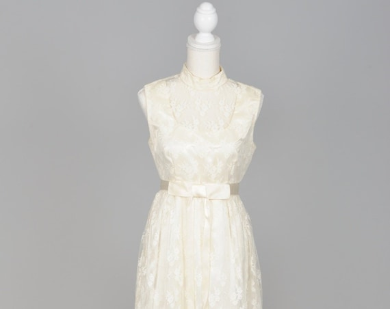 1960 Ecru Lace Vintage Wedding Gown