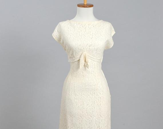 1960 Lace Bateau Neckline Vintage Wedding Dress