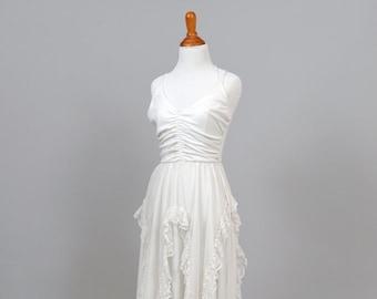 1970s Asymmetrical Lace Vintage Wedding Dress