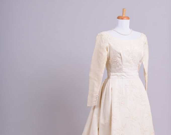 Featured listing image: 1960 Bianchi Silk Vintage Wedding Gown