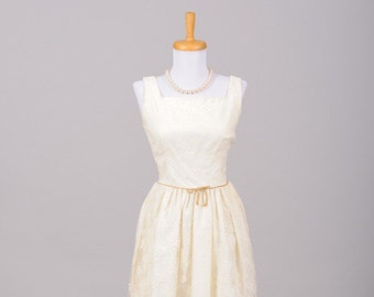 1950 Creamy Rose Vintage Wedding Gown