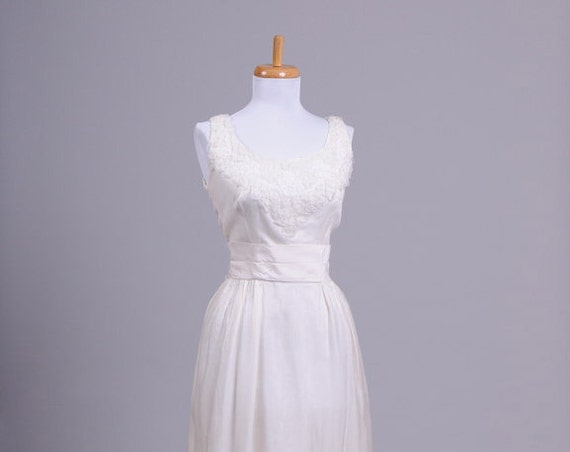 1970 Ribbon Vintage Wedding Gown
