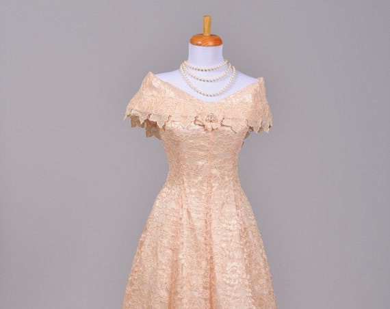 1970 Peach Lace Vintage Wedding Dress