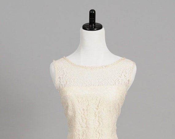 1970 Lace Drop Waist Vintage Wedding Dress