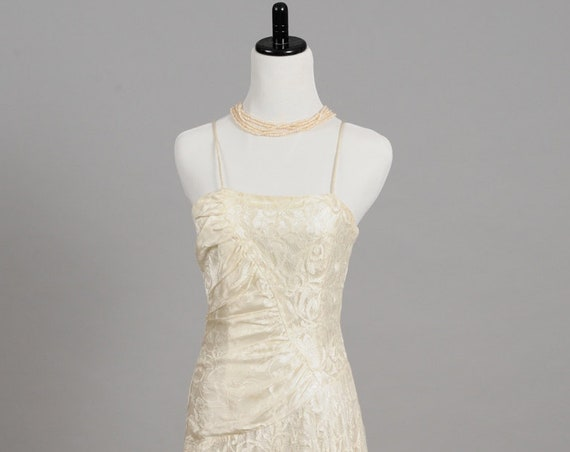 1970 Vanilla Lace Vintage Vintage Wedding Dress