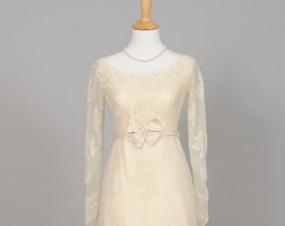 1950 Ecru Applique Vintage Wedding Gown