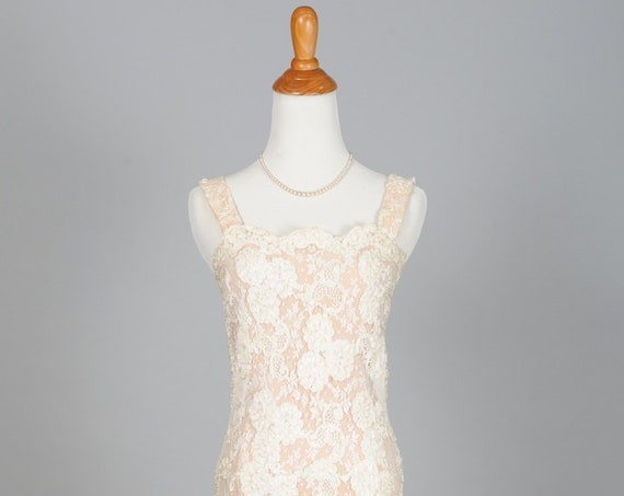 1950 Rosettes And Lace Vintage Wedding Dress