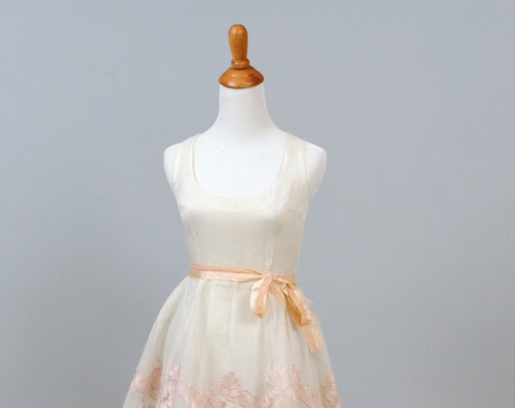 1950 White And Pink Organza Vintage Wedding Gown