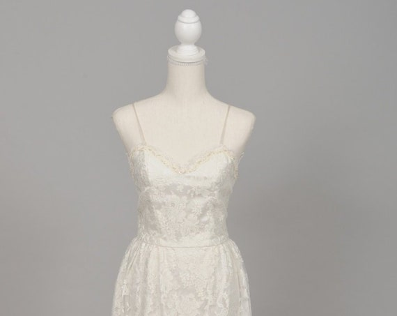 1970 White Pearl Vintage Wedding Gown