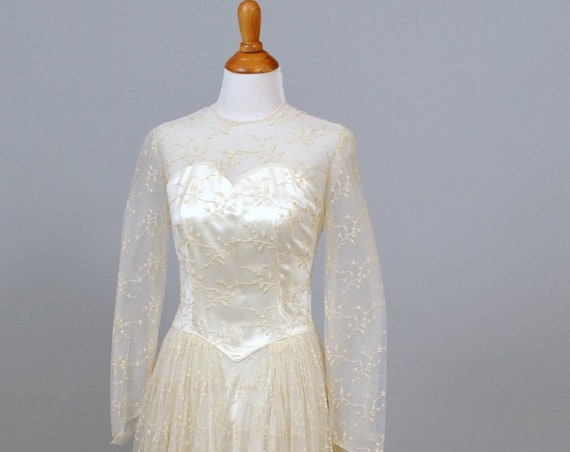 1950 Embroidered Chiffon Vintage Wedding Gown