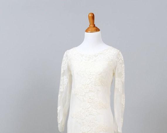 1960 Classic Column Vintage Wedding Gown