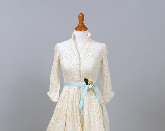 1950  White Lace Shirtmaker Vintage Wedding Dress