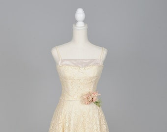 1950 Ecru Lace Full Skirt Vintage Wedding Dress