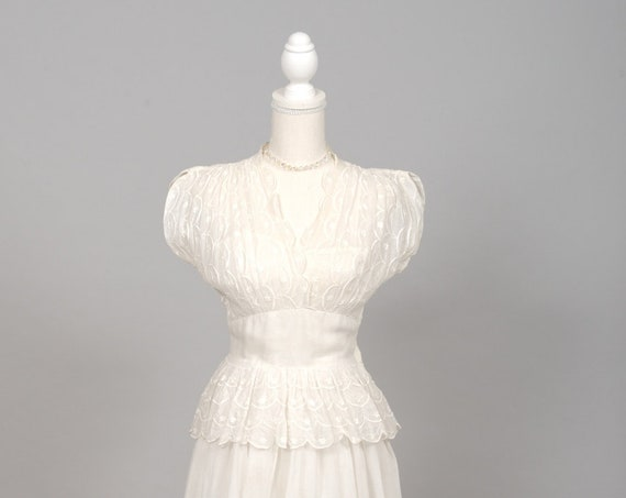 1940 White Embroidered Organdy Vintage Wedding Gown