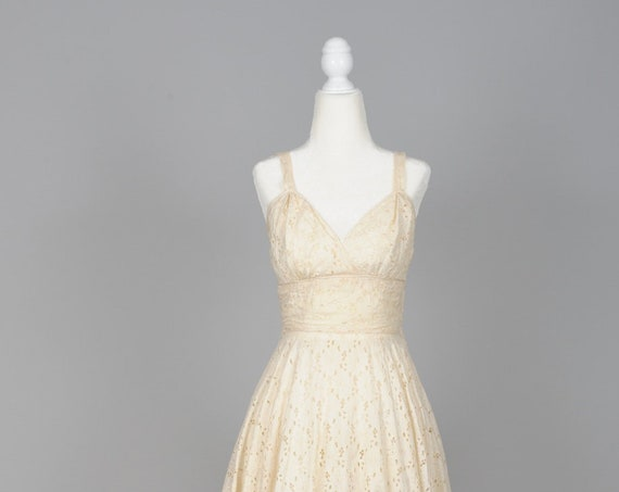 1950 Ecru Eyelet Vintage Wedding Dress