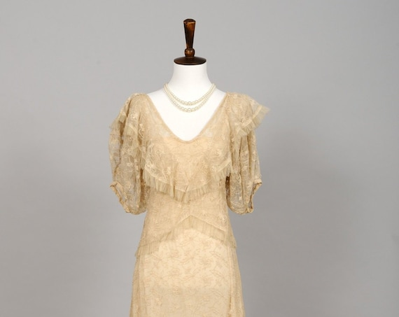 1940 Sheer Lace Vintage Wedding Gown