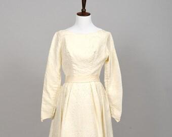 1960 Matelassé Vintage Wedding Gown