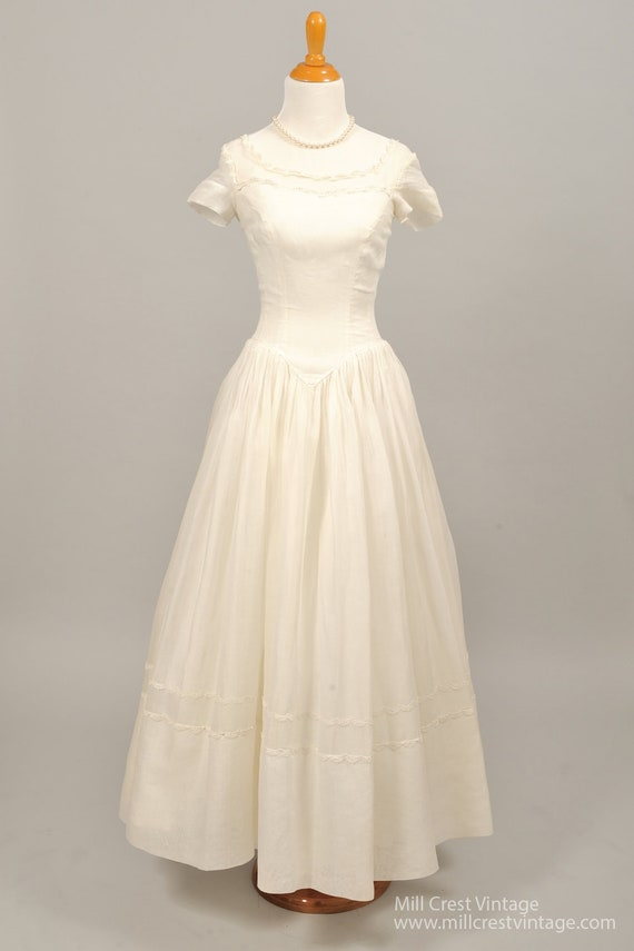 1960 Lace And Organza Vintage Wedding Gown